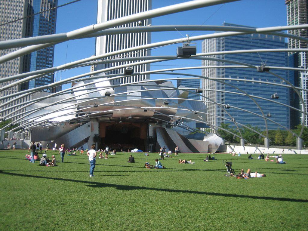 Jay-Pritzker-Pavillion-chicago